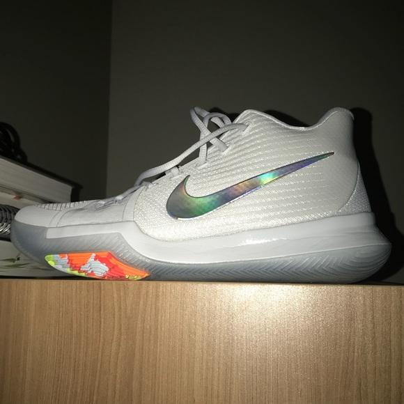 wholesale dealer eb00a 5c239 Nike Kyrie III iridescent time to shine sz 12